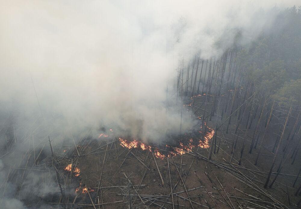 Imagem registra impacto de incêndio em região onde se encontra Chernobyl