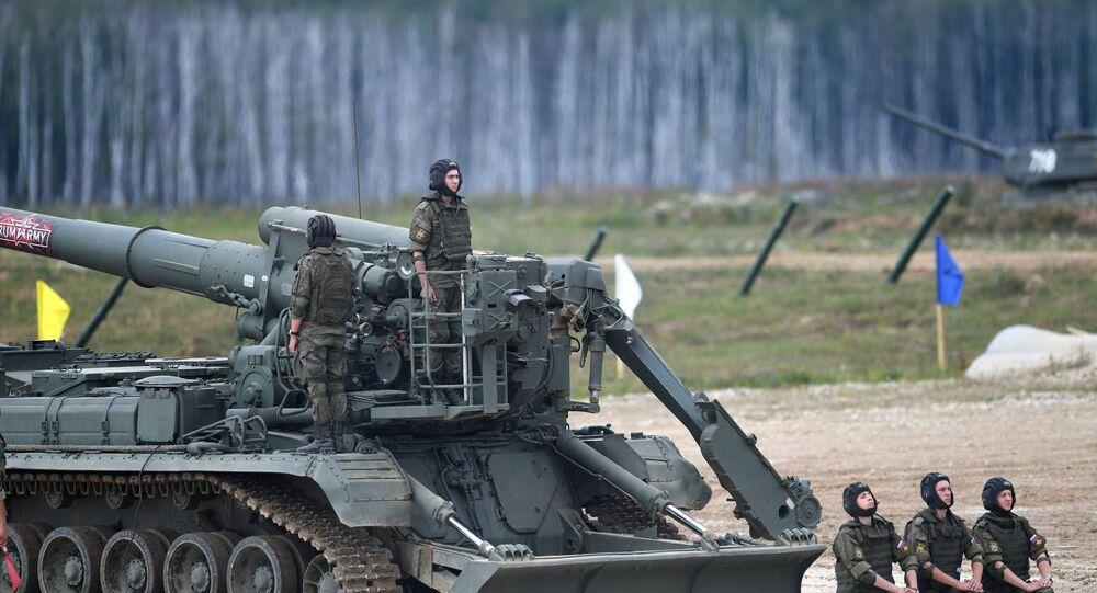 Obus autopropulsado 2S7M Malka no fórum militar EXÉRCITO 2019 no polígono de Alabino, Rússia