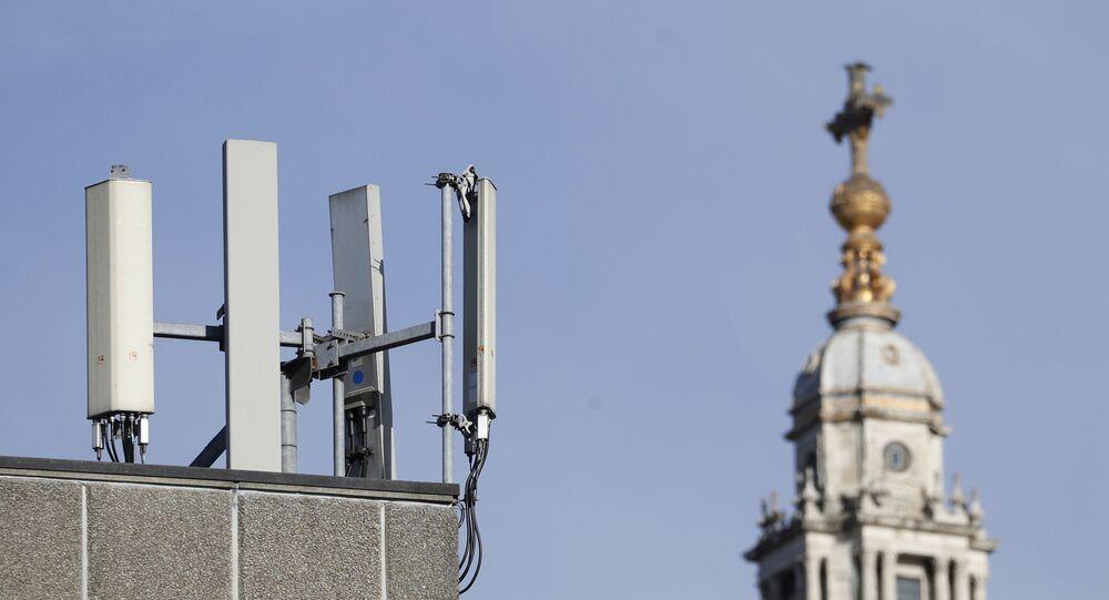 Poste da rede 5G no Reino Unido
