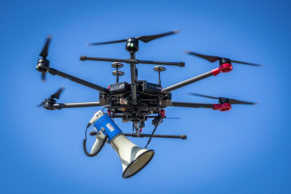 Drone usado pela polícia holandesa no combate à propagação do coronavírus