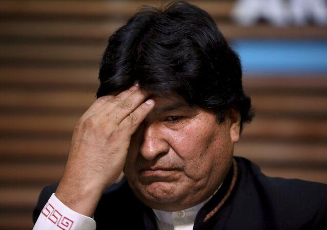 Ex-presidente boliviano Evo Morales dá uma coletiva de imprensa sobre a rejeição de seu plano de concorrer ao cargo de senador em Buenos Aires, Argentina, onde vive, 21 de fevereiro de 2020