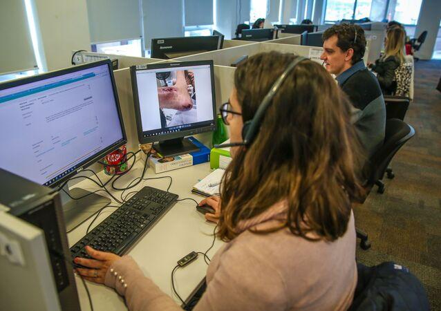 Central de atendimento na sede do programa Telemedicina do SUS