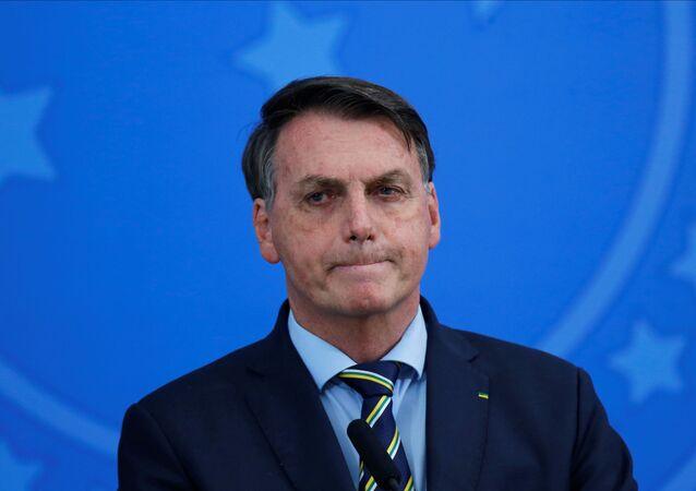 Jair Bolsonaro, presidente do Brasil, discursa após substituir seu ministro da Saúde, Luiz Henrique Mandetta, por Nelson Teich