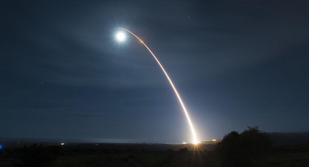 Lançamento de míssil balístico intercontinental (imagem referencial)