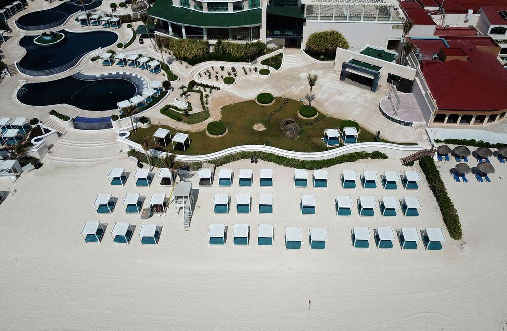 Resort vazio em Cancún, no México, devido à pandemia, em 28 de março de 2020