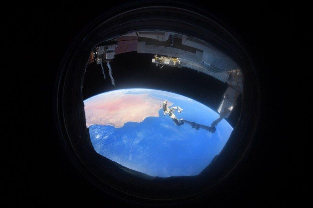 Fotografia do planeta Terra tirada diretamente da Estação Espacial Internacional