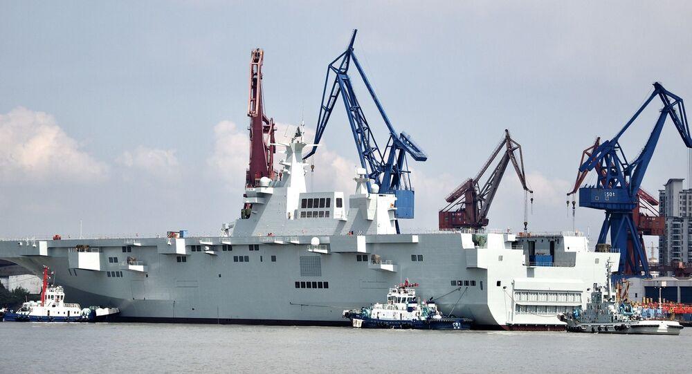 Novo navio Type 075 da Marinha chinesa