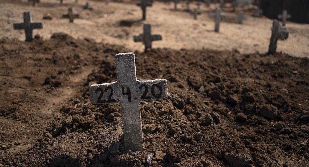 Vítima suspeita de ter morrido pelo novo coronavírus é enterrada no Rio de Janeiro