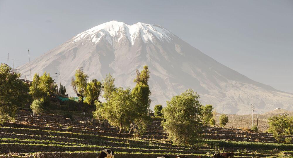 Vulcão El Misti, no Peru
