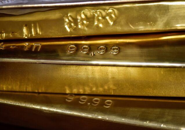 Barras de ouro no cofre do Banco Nacional do Cazaquistão, em Almaty, Cazaquistão, 30 de setembro de 2016