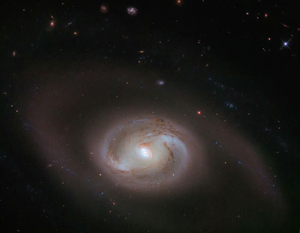 Registro da galáxia espiral NGC 2273