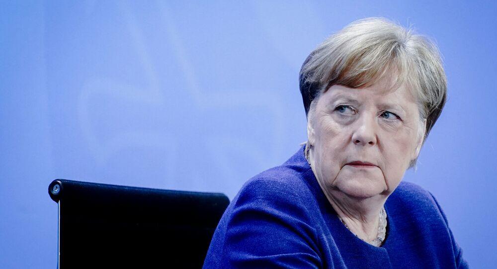 Chanceler alemã, Angela Merkel, em conferência de imprensa sobre a situação epidemiológica no país, em Berlim, 30 de abril de 2020