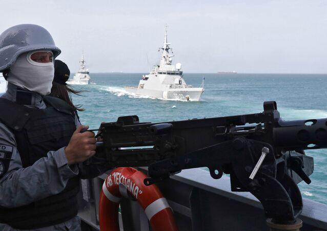 Navios da Marinha da Venezuela durante exercício militar em 2019