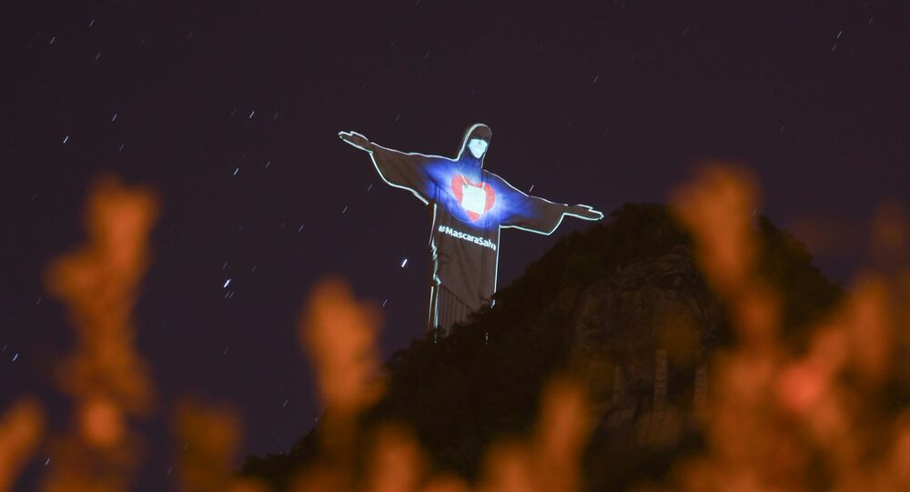 Cristo Redentor recebe campanha de conscientização sobre o uso de máscaras