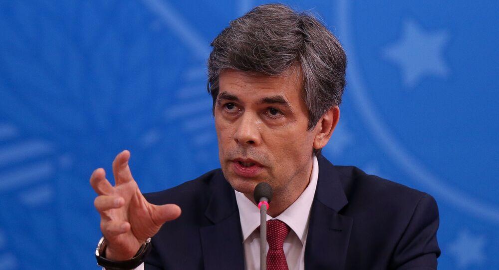 Ministro da Saúde, Nelson Teich, durante uma coletiva de imprensa no Palácio do Planalto, 30 de abril de 2020, Brasília, Brasil (foto do arquivo)