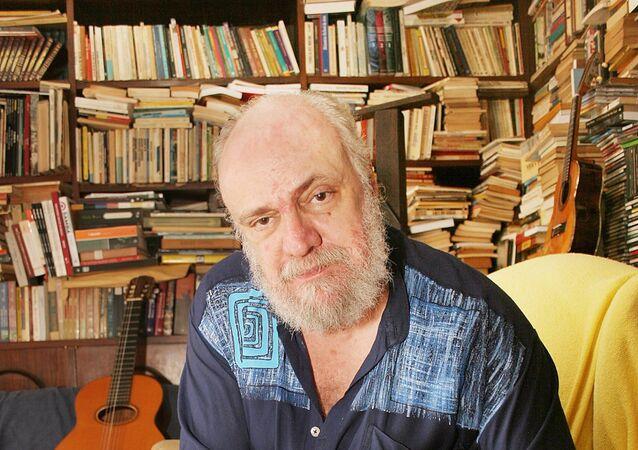 Cantor e compositor Aldir Blanc, 2005