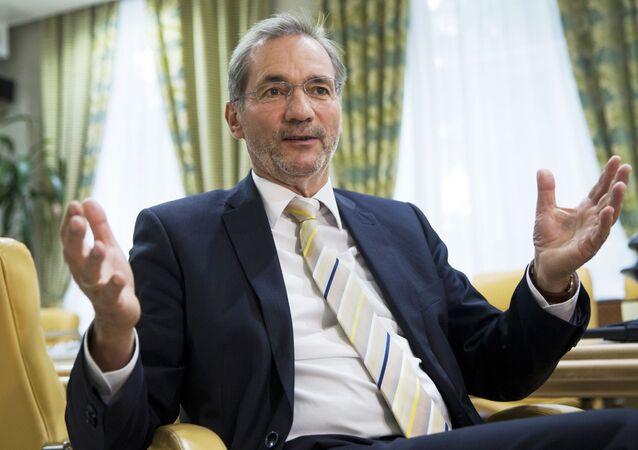 Matthias Platzeck, presidente do conselho do Fórum Alemão-Russo