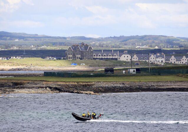 Guarda Costeira na costa oeste da Irlanda