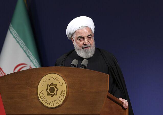 Presidente do Irã, Hassan Rouhani, discursa perante dirigentes em Teerã, Irã, 16 de Janeiro de 2020