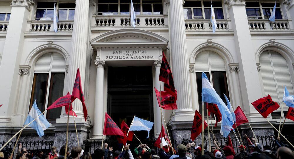 Protestos diante do Banco Central da Argentina