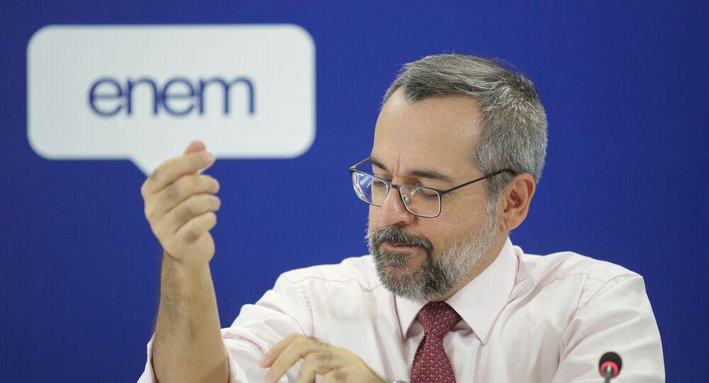 Ministro da Educação do Brasil, Abraham Weintraub, durante entrevista coletiva em Brasília, para tratar do ENEM 2020