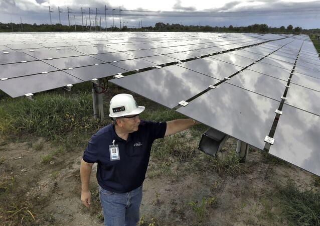 Estação de painéis de energia solar nos EUA