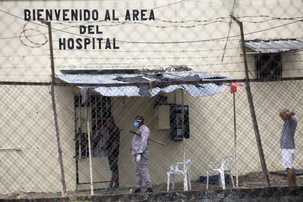 Vista do hospital da prisão La Victoria, na República Dominicana, onde dois prisioneiros morreram pela COVID-19