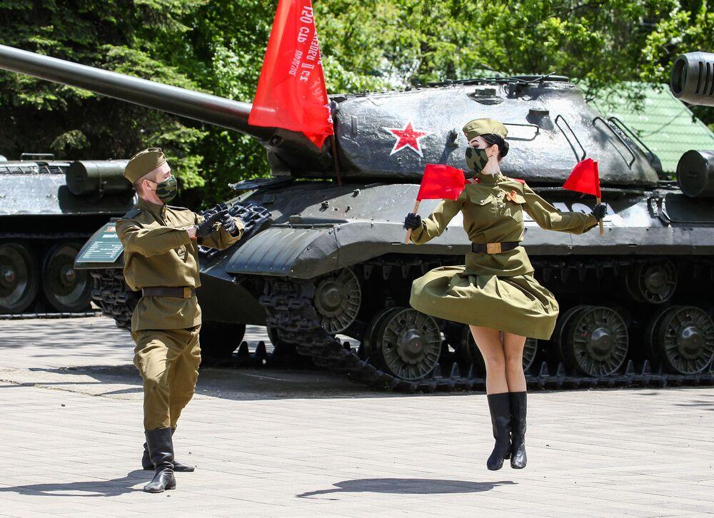 Celebração do Dia da Vitória na cidade de Krasnodar, na Rússia