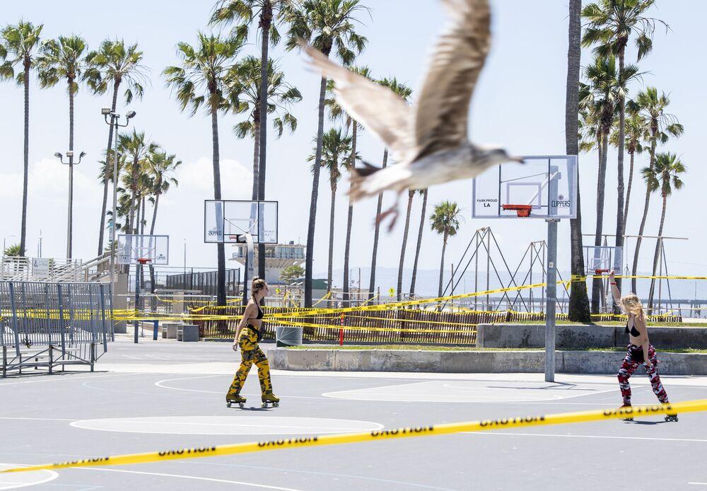 Abertura de praias na Califórnia, EUA