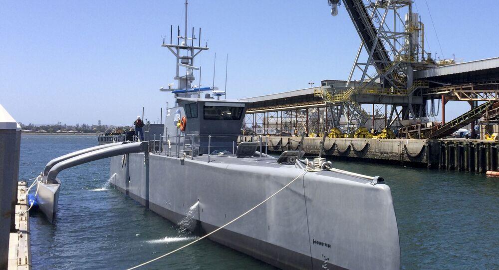 Embarcação não tripulada dos EUA Sea Hunter
