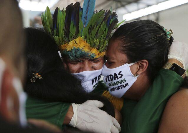 Velório do líder índigena Messias Martins Moreira, da etnia Kokama, em Manaus, Amazonas, no dia 14 de maio de 2020.
