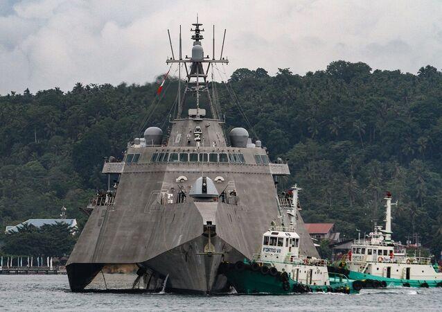 Navio de guerra americano USS Montgomery (foto de arquivo)