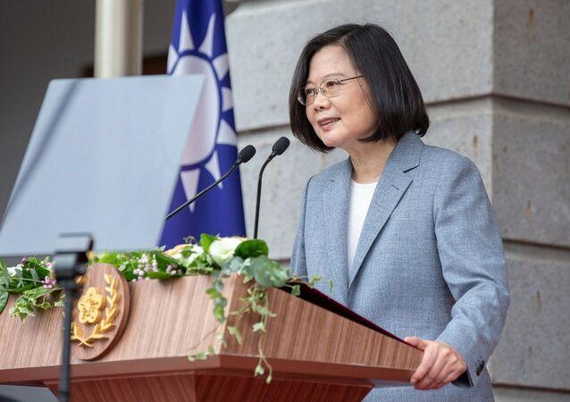 Presidente de Taiwan, Tsai Ing-wen, discursando durante posse de seu segundo mandato presidencial