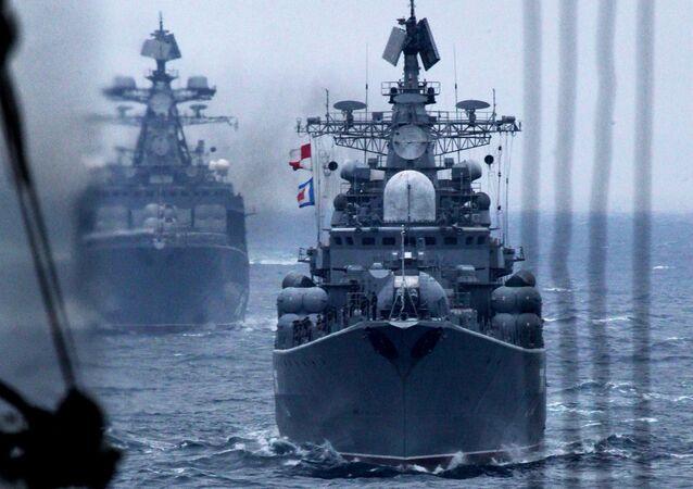 Manobras navais russo-chinesas em Vladivostok
