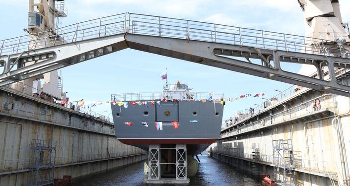 Lançamento à água da fragata Admiral Golovko em São Petersburgo
