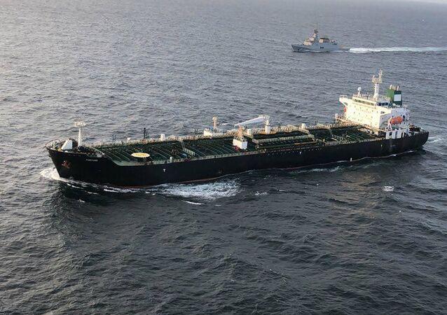 Navio-tanque iraniano Fortune na Venezuela