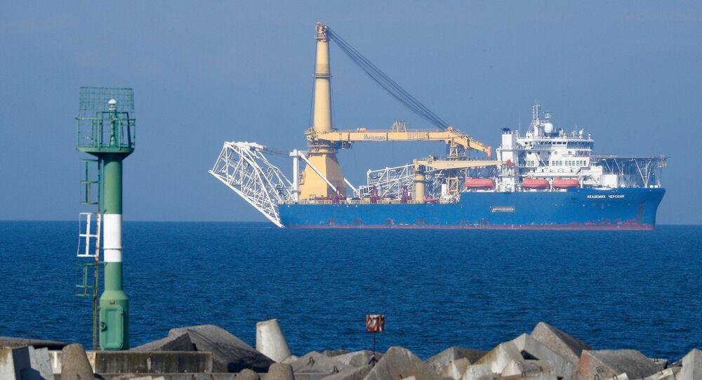 Navio-grua Akademik Chersky, apto a concluir a construção do gasoduto Nord Stream 2