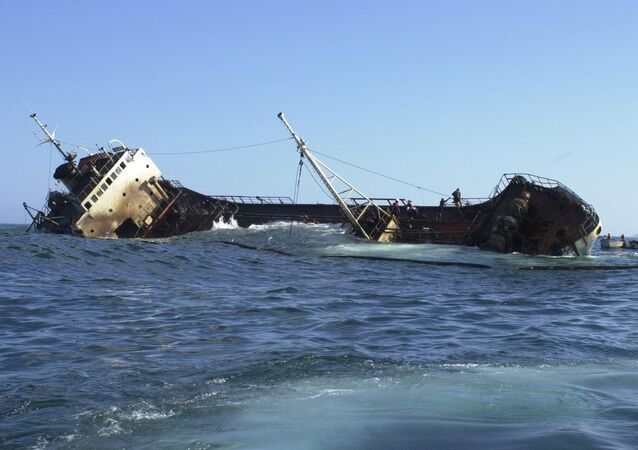 Imagem de navio se afundando