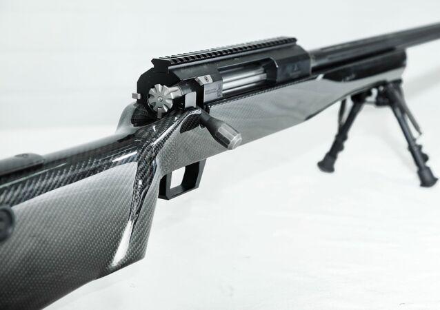 Fuzil de precisão SVLK-14S Sumrak, da empresa russa Lobaev Arms
