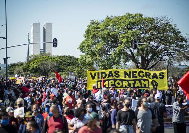 Em Brasília, manifestação contra o governo Jair Bolsonaro e a favor da democracia na cidade de Brasília, em 7 de junho de 2020.