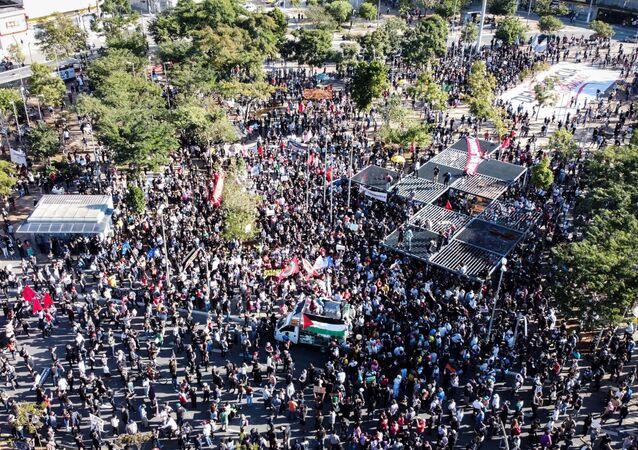 No São Paulo, protesto antifascista contra o governo do presidente Jair Bolsonaro, na região de Pinheiros, no Largo da Batata, em 7 de junho de 2020.