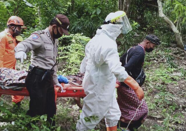 Operação de resgate de turista britânico preso em poço em Bali