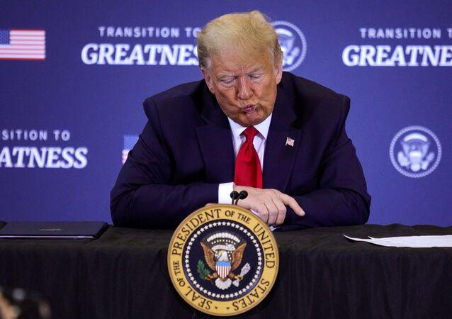 Presidente dos EUA, Donald Trump, fala em uma discussão em mesa redonda sobre pesca comercial em Bangor, Maine, EUA, 5 de junho de 2020