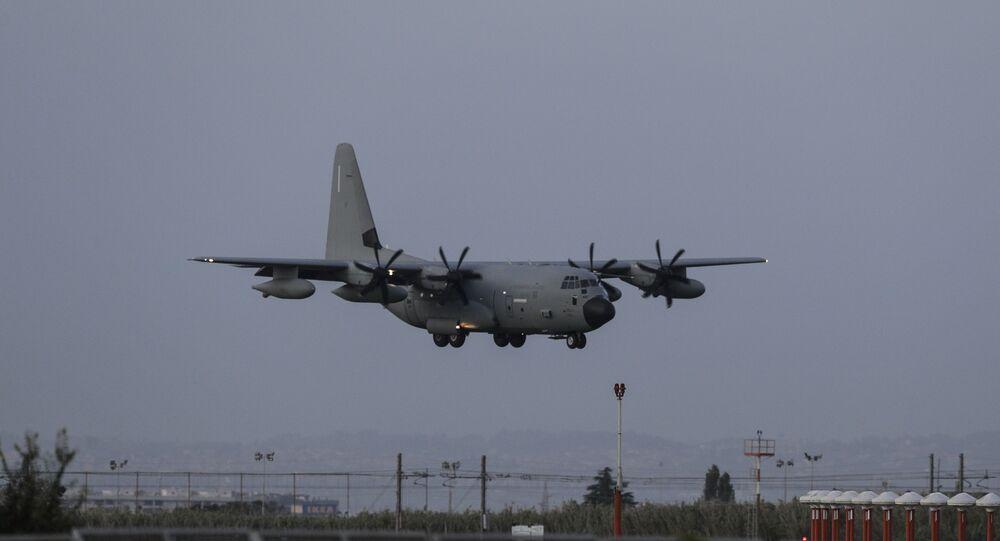 Em 13 de novembro de 2019, um avião C-130 chega ao aeroporto militar de Ciampino, na Itália, trazendo do Iraque cinco militares italianos feridos em operações de apoio a tropas iraquianas contra terroristas.
