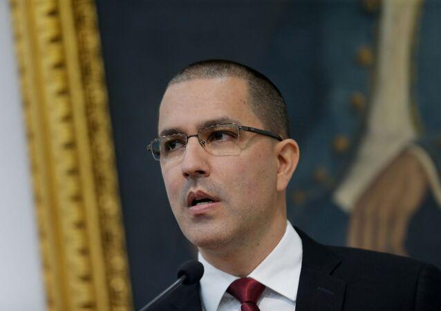 Jorge Arreaza, ministro venezuelano das Relações Exteriores, participa de coletiva de imprensa em Caracas, Venezuela, 5 de fevereiro de 2020