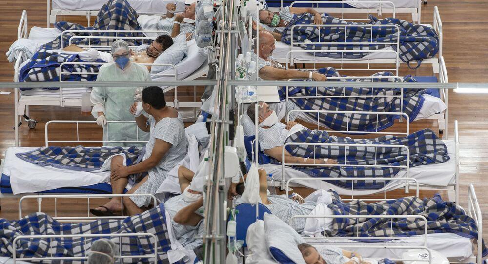 Pacientes em hospital de campanha montado em ginásio da cidade de Santo André, na grande São Paulo, 9 de julho de 2020