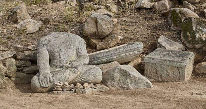 Antiga estátua de Buda é descoberta na Coreia do Sul