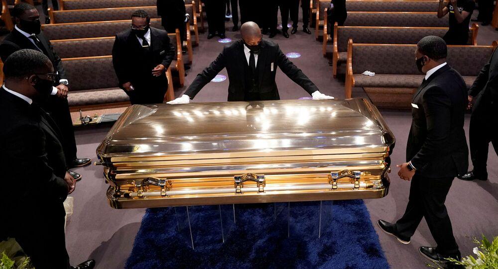 Funeral do cidadão afro-americano George Floyd na igreja Fountain of Praise em Houston, no Texas
