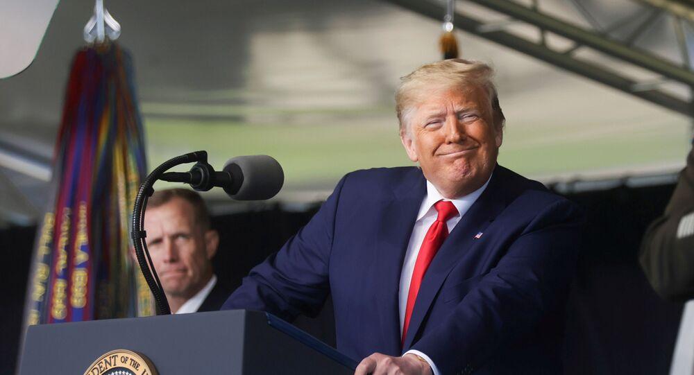 Presidente dos EUA, Donald Trump, durante discurso na cerimônia de formatura da Academia Militar dos EUA em West Point, Nova York, EUA, 13 de junho de 2020