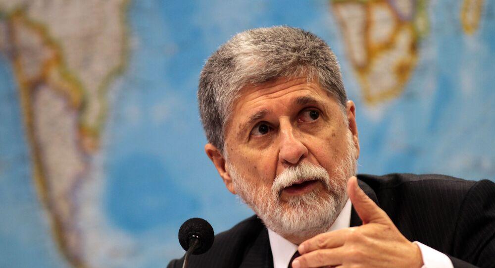 Chanceler Celso Amorim fala acerca de um acordo nuclear entre Brasil, Irã e Turquia em 2010